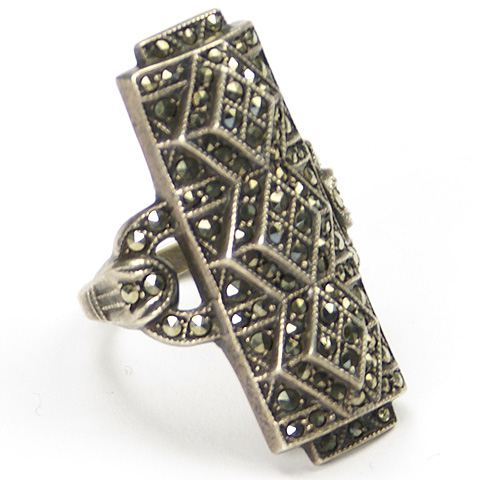 Uncas Mfg Deco Sterling and Zig Zag Pattern Marcasites Finger Ring