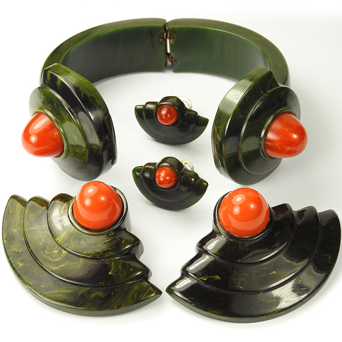 KTF Trifari 'Maggie Rouff' Green and Red Marbled Bakelite Bangle, Pair of Dress Clips and Clip Earrings Set